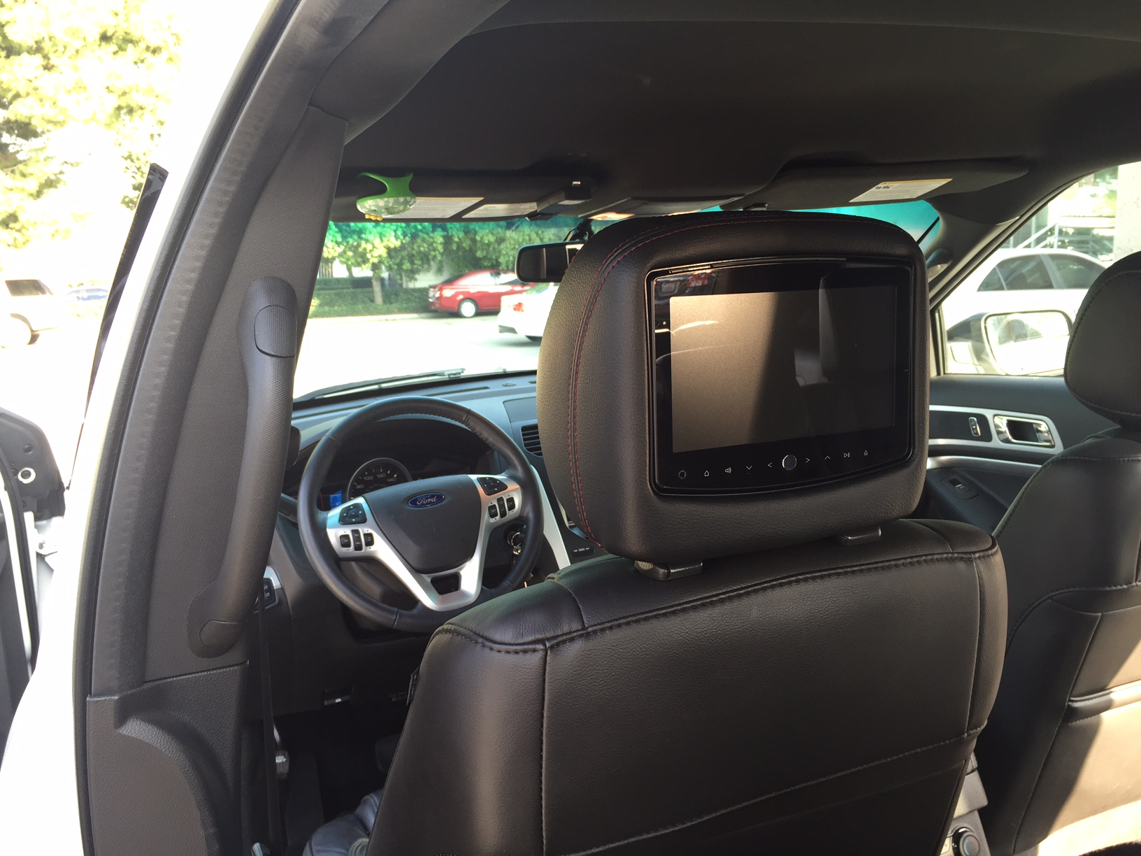 Rosen 8″ Dual DVD Headrest System – ADC Mobile
